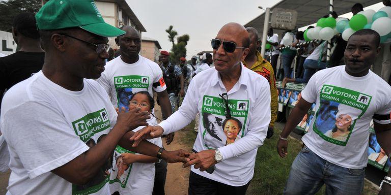 Georges Ouegnin soutenant sa fille aux dernières législatives